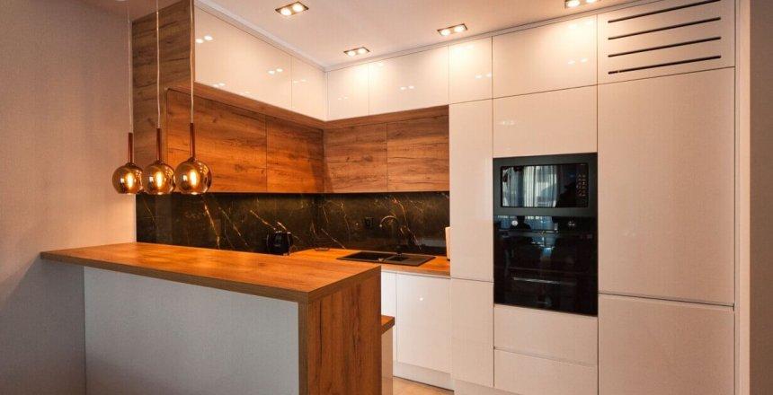 Kuchnia na wymiar z kamiennym panelem (4)