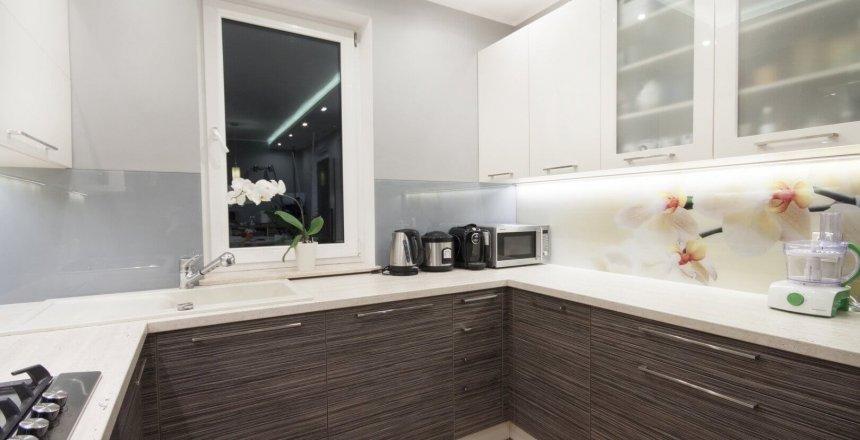kuchnia-na-wymiar-biala-drewniana-panel-storczyk-3