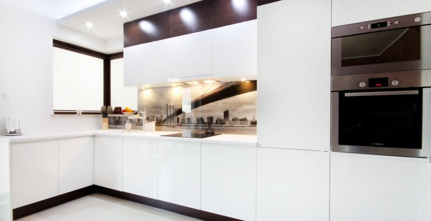 kuchnia-na-wymiar-biala-panel-most-1