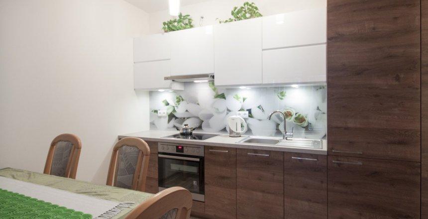 kuchnia-na-wymiar-drewniana-panel-konwalie-3