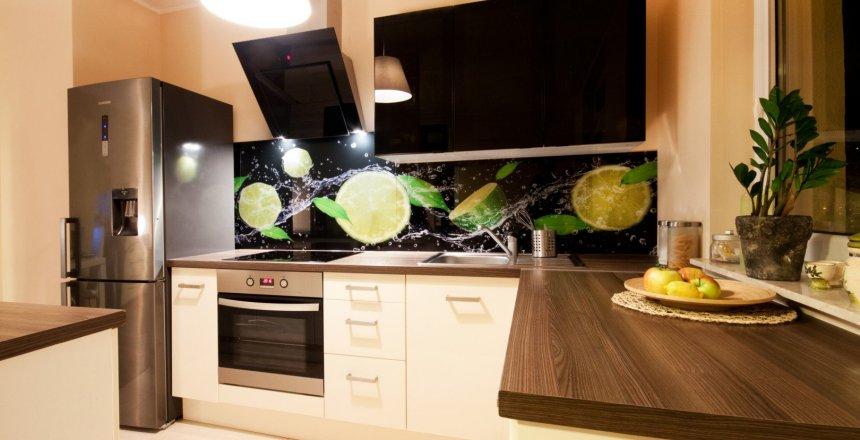 kuchnia-na-wymiar-jasna-panel-cytryny-2