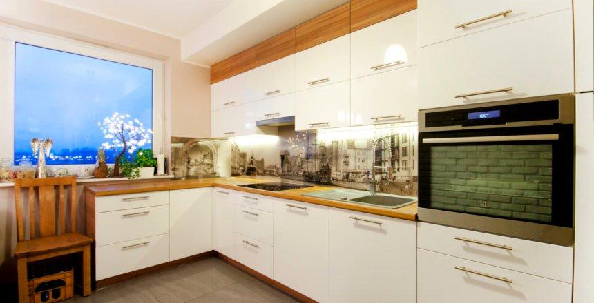 kuchnia-na-wymiar-kremowa-panel-retro