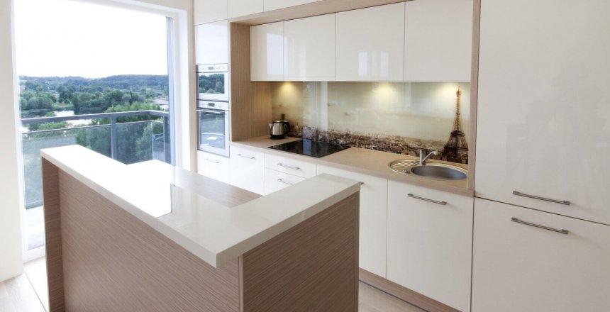 kuchnia-na-wymiar-kremowo-drewniana-3